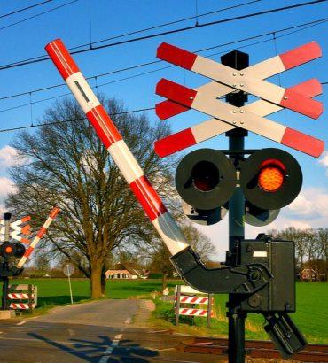 Neulich am Bahnübergang – Der Leitfaden für Autofahrer